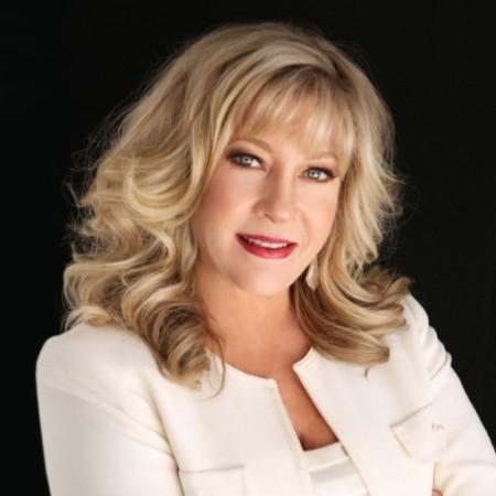Photo of Ellen Barker